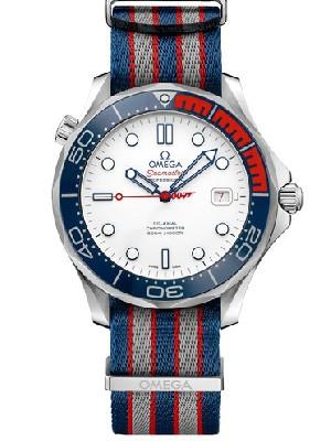 欧米茄007限量版  手表不走的原因
